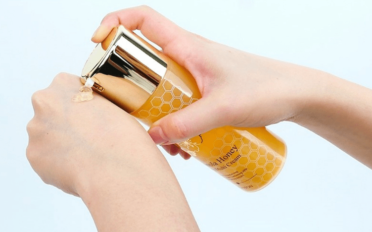 The YEON Jeju Canola Honey Wrapping Multi Cream  Крем для лица антивозрастной  с медом канола