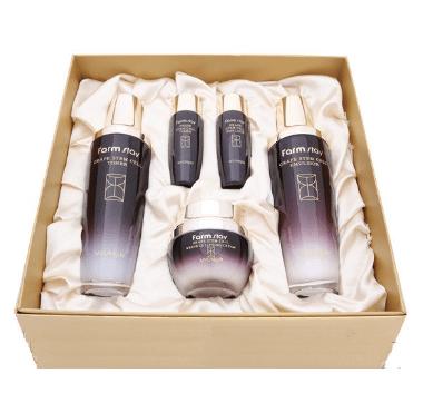 FarmStay Grape Stem Cell Skin Care 3Set Набор по уходу за кожей лица на основе стволовых клеток винограда 3 предмета